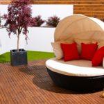 Contemporary romantic love sofa