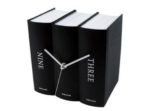 karlsson_book_table_clock_in_black