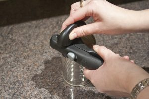 can-opener-1-oxo-good-grips-snap-lock