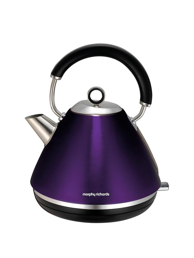 Gorgeous Morphy Richards accent kettle in a lovely shade of purple