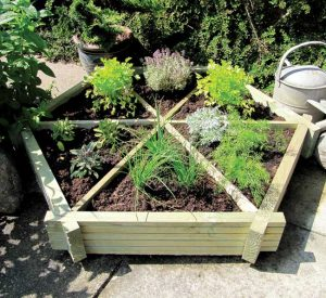 Hexagonal herb garden planter from Garden Chic | Fresh Design Blog