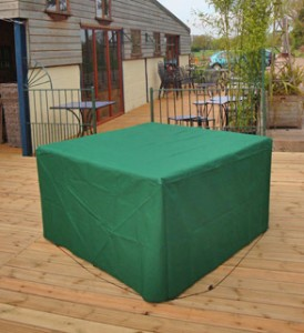 Protect your garden furniture in the autumn and winter