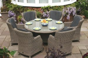 Modern and contemporary garden furniture trends