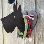 Hound and heart wall plaque