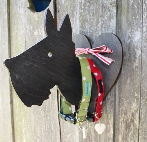 Hang your dog lead in style at home