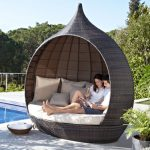 Contemporary garden furniture: Luxurious Santa Rosa daybed