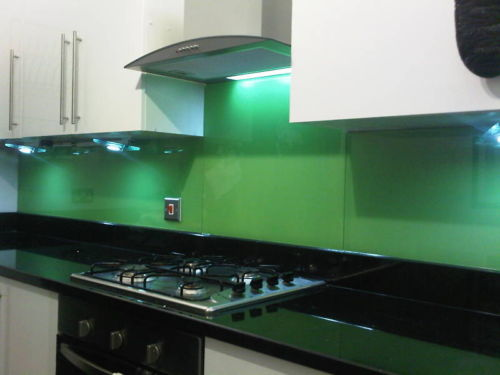 Modern and contemporary kitchen splashbacks