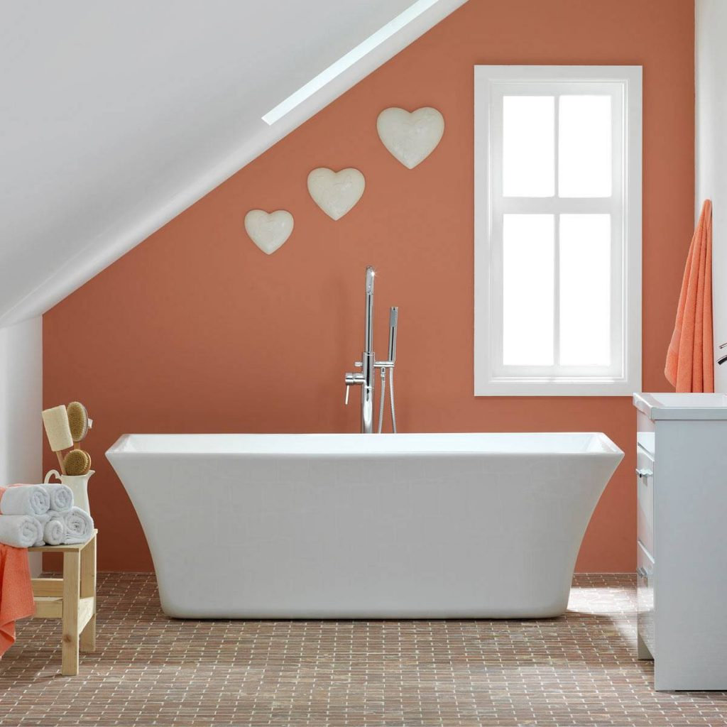 Modern roll top bath