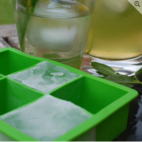 Fresh and cool: ice cubes with style