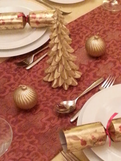 Fresh Design 10 top tips for decorating a christmas table
