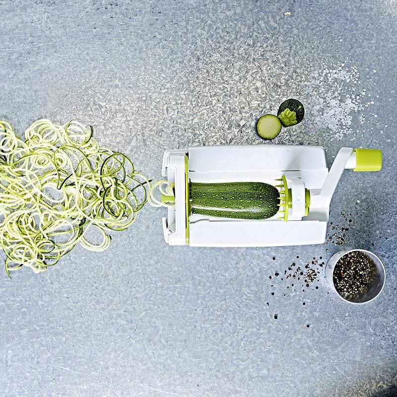 Vegetable spiral kitchen gadget