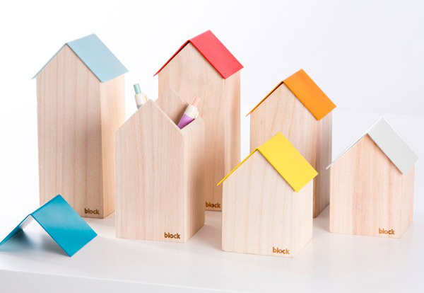 Love these cute Block house design storage pots. They'd be so good on a desk, or used for makeup brushes.