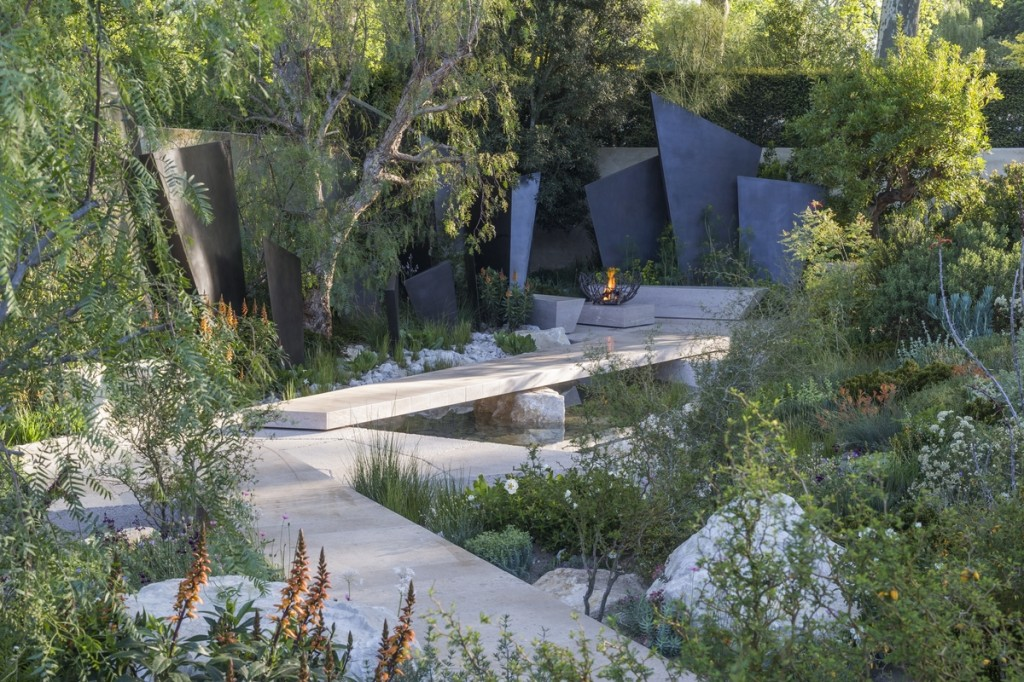 The Telegraph Garden. Designed by Andy Sturgeon for the RHS Chelsea Flower Show 2016.