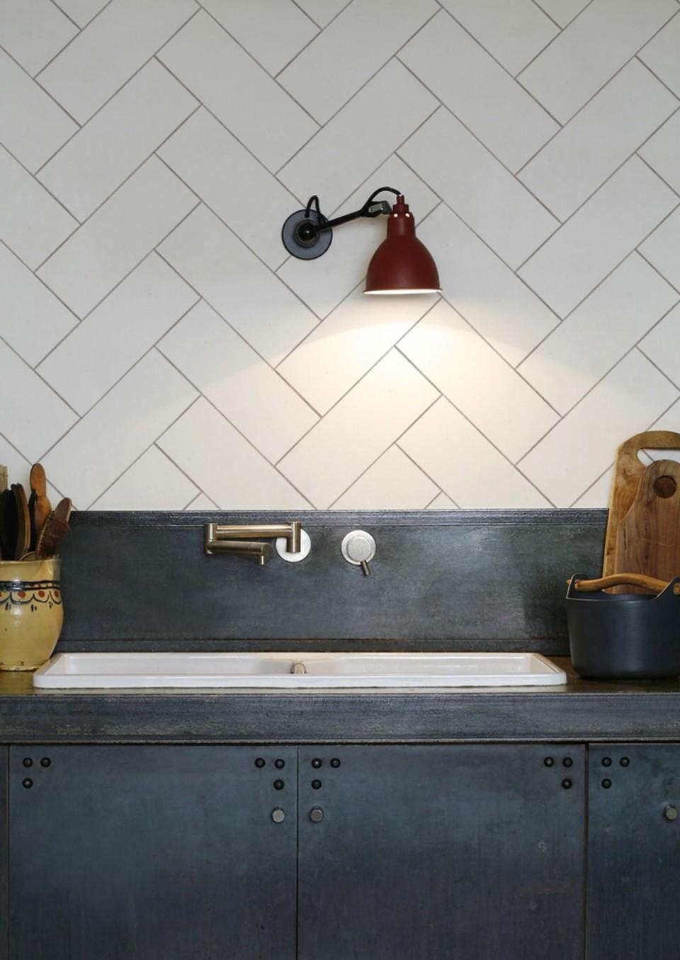 Create an easy kitchen splashback with KitchenWalls wallpaper ...